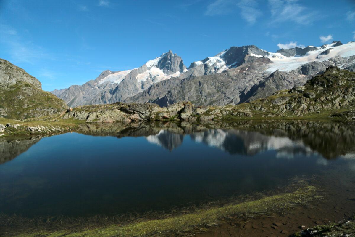 Le lac Lérié, la Meije et le Rateau